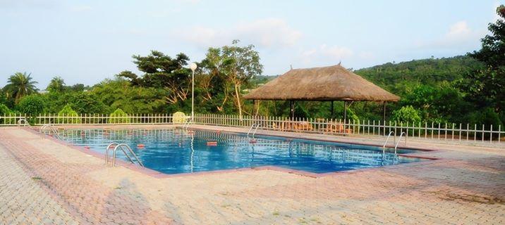 Zenababs Half Moon Resort